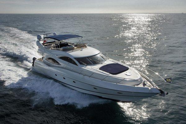 Windrose yacht galapagos